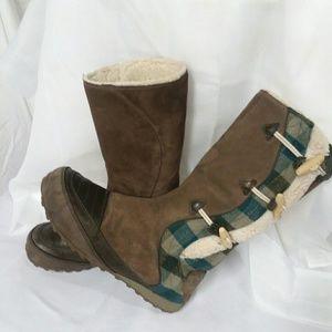 Sorel women's boots size 7       (W1P)